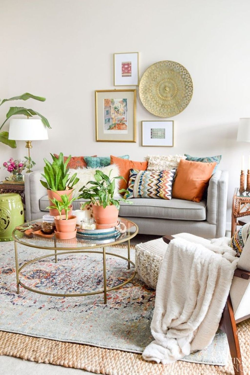 Lovely Living Room Decoration Ideas With Bohemian Style 23