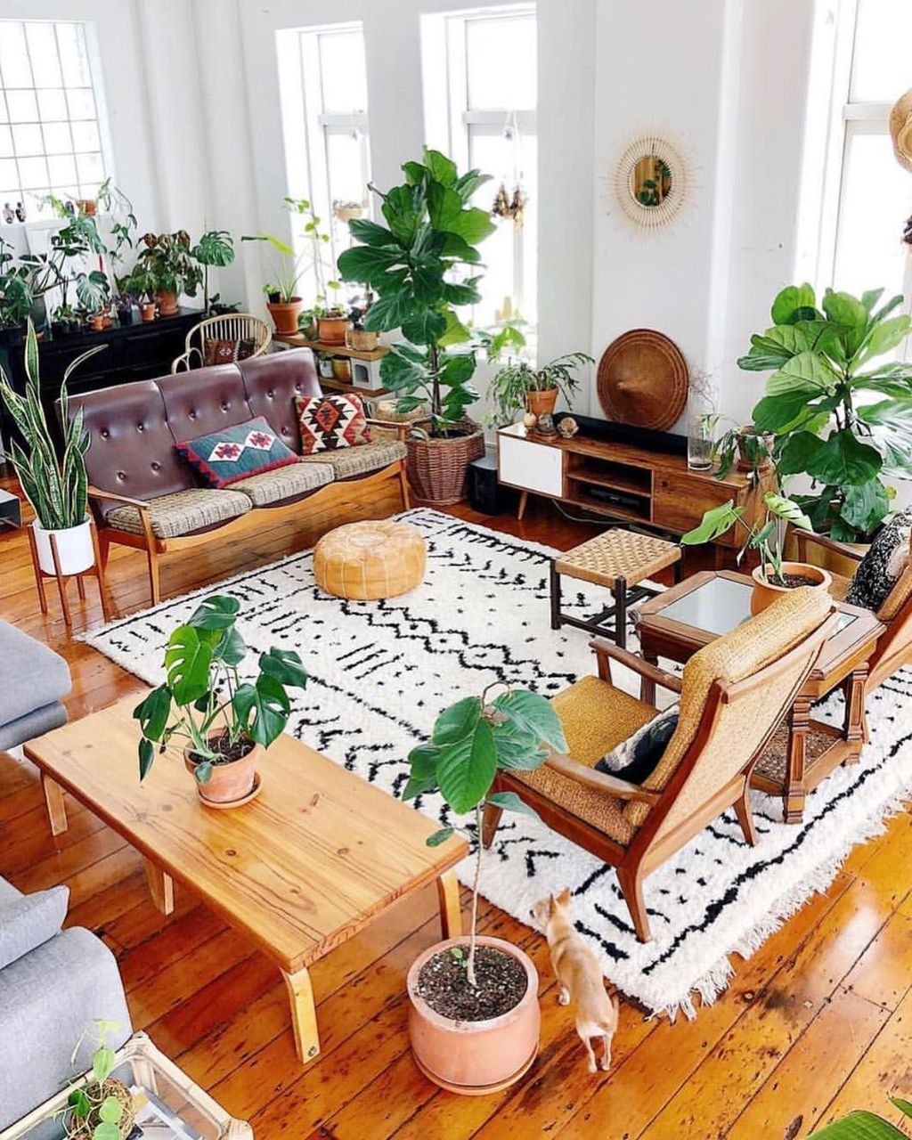 Lovely Living Room Decoration Ideas With Bohemian Style 32