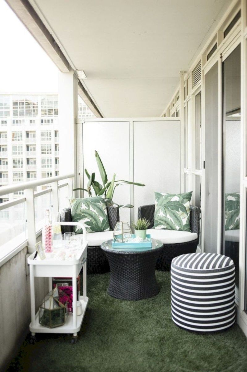 Lovely Small Porch Apartment Balconies Ideas 17