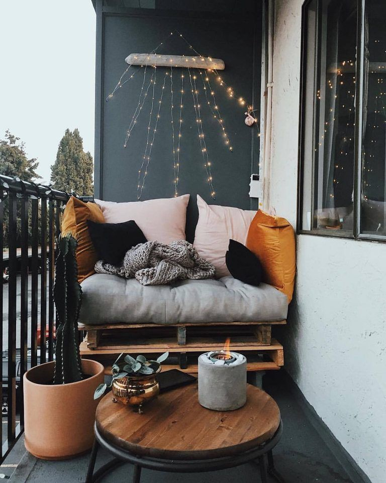 Lovely Small Porch Apartment Balconies Ideas 18