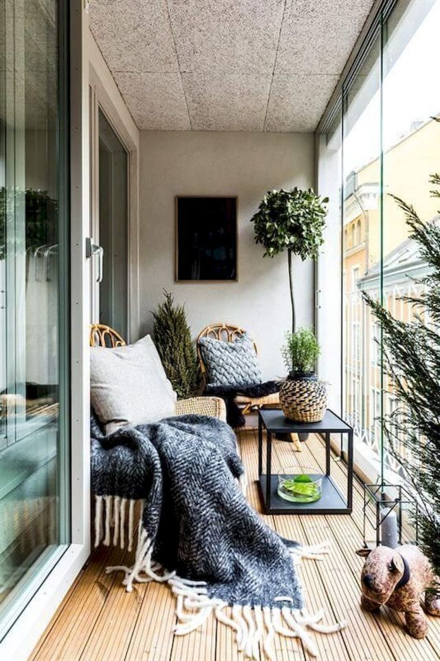 Lovely Small Porch Apartment Balconies Ideas 23