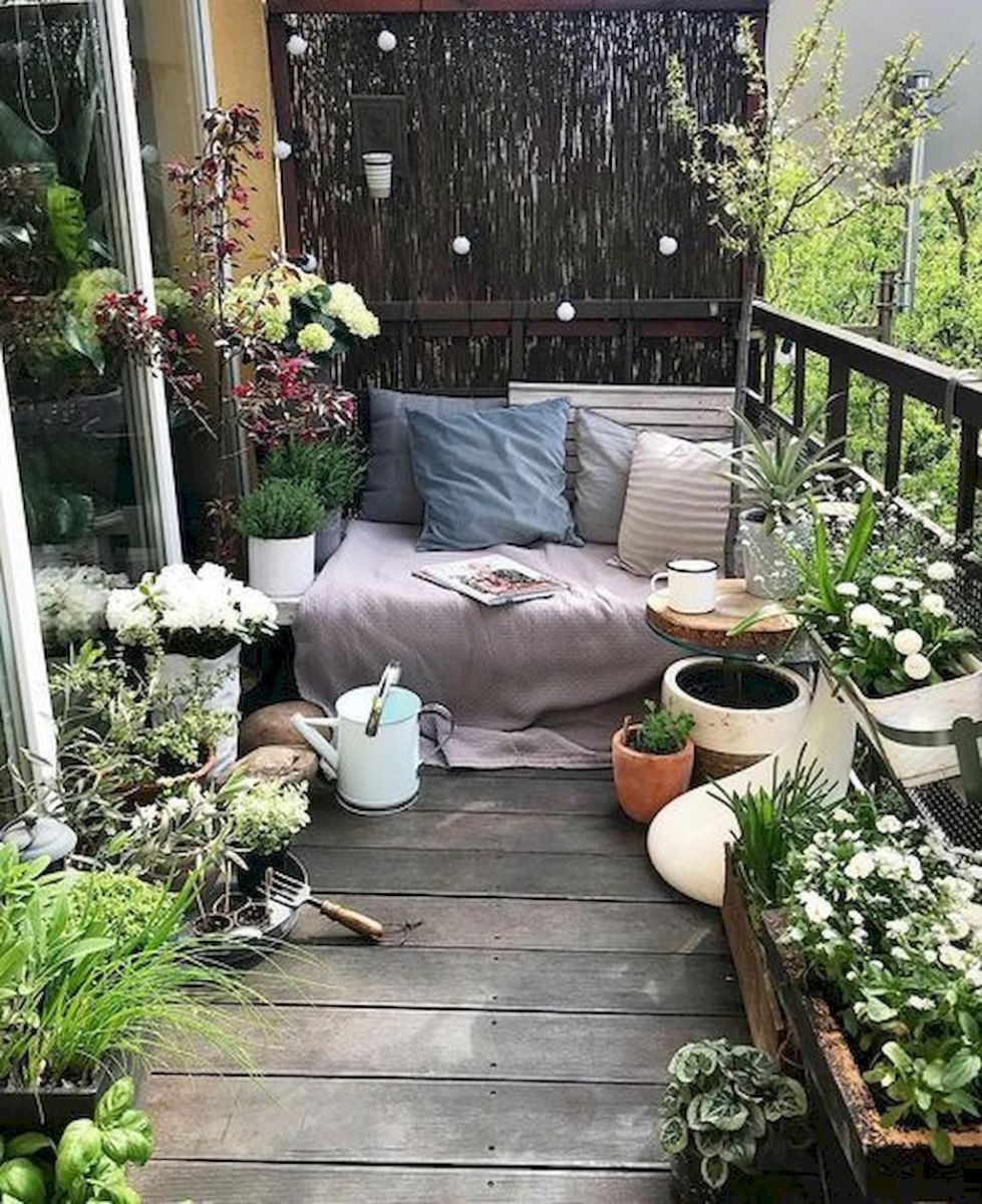 Lovely Small Porch Apartment Balconies Ideas 29