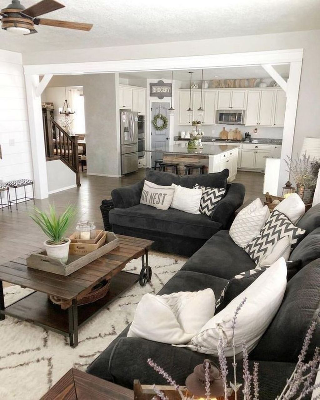 Popular Modern Farmhouse Living Room Decor Ideas 02