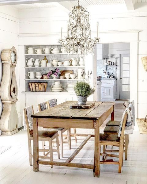 Popular Rustic Farmhouse Style Ideas For Dining Room Decor 13
