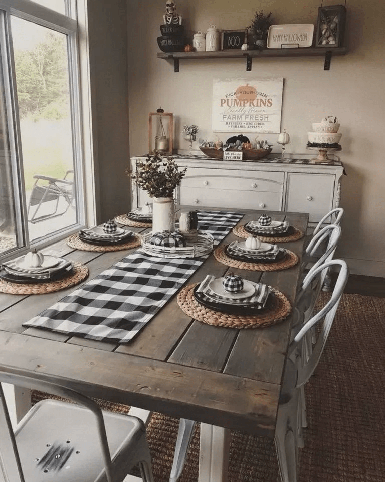 Popular Rustic Farmhouse Style Ideas For Dining Room Decor 16