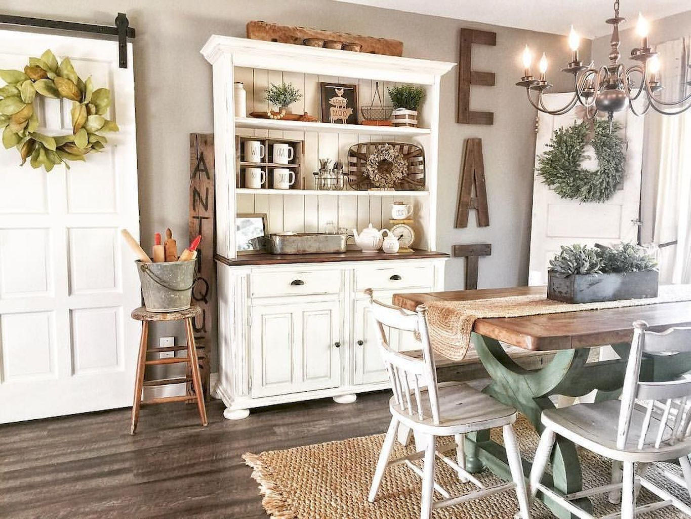Popular Rustic Farmhouse Style Ideas For Dining Room Decor 18