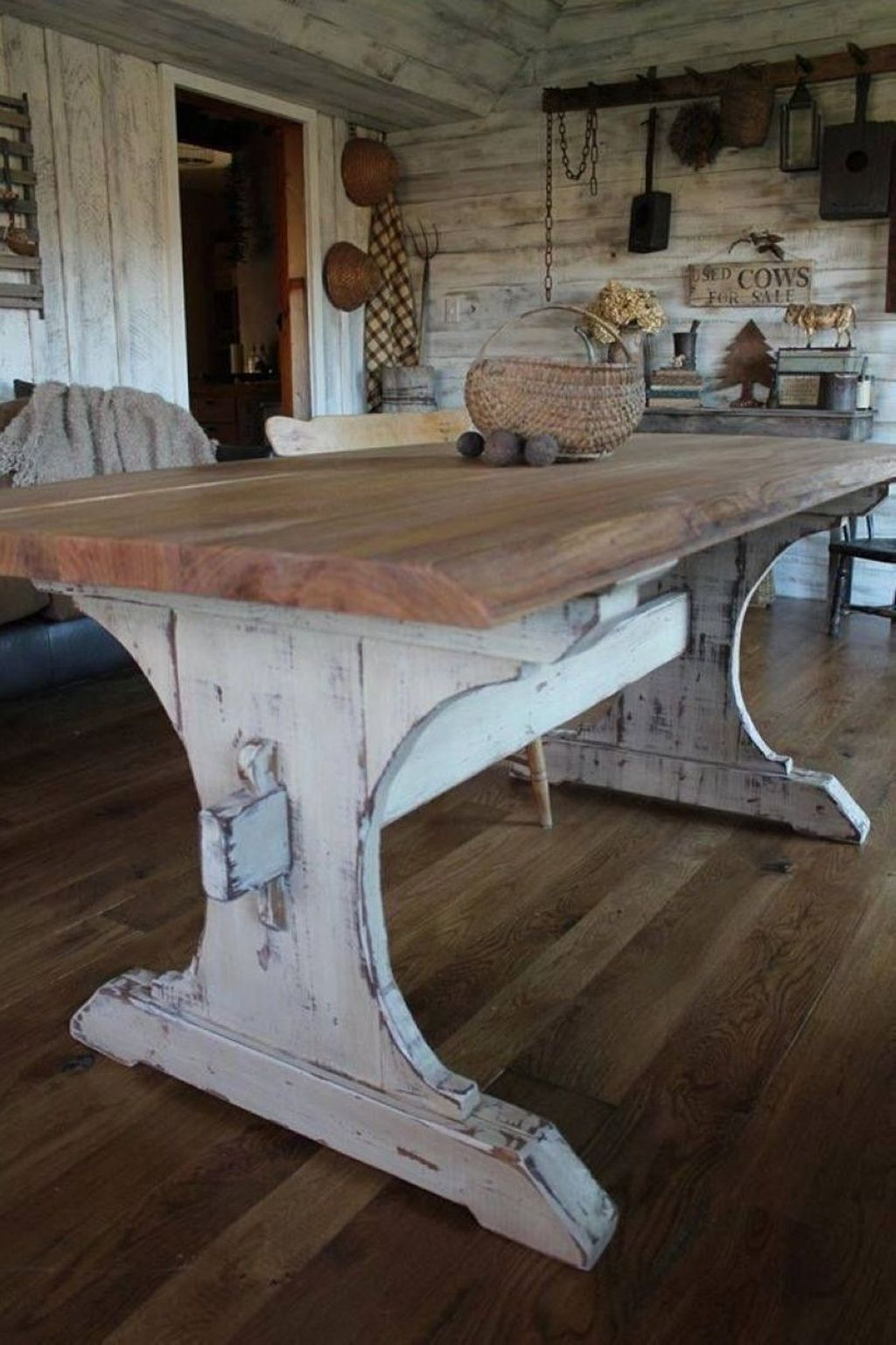 Popular Rustic Farmhouse Style Ideas For Dining Room Decor 19