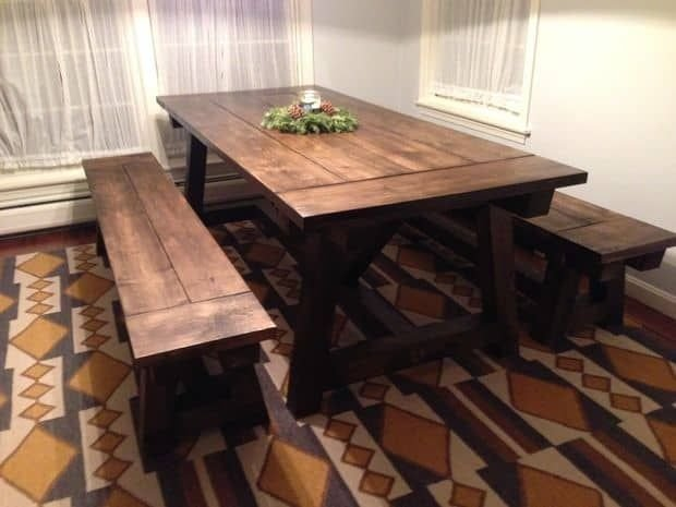 Popular Rustic Farmhouse Style Ideas For Dining Room Decor 37