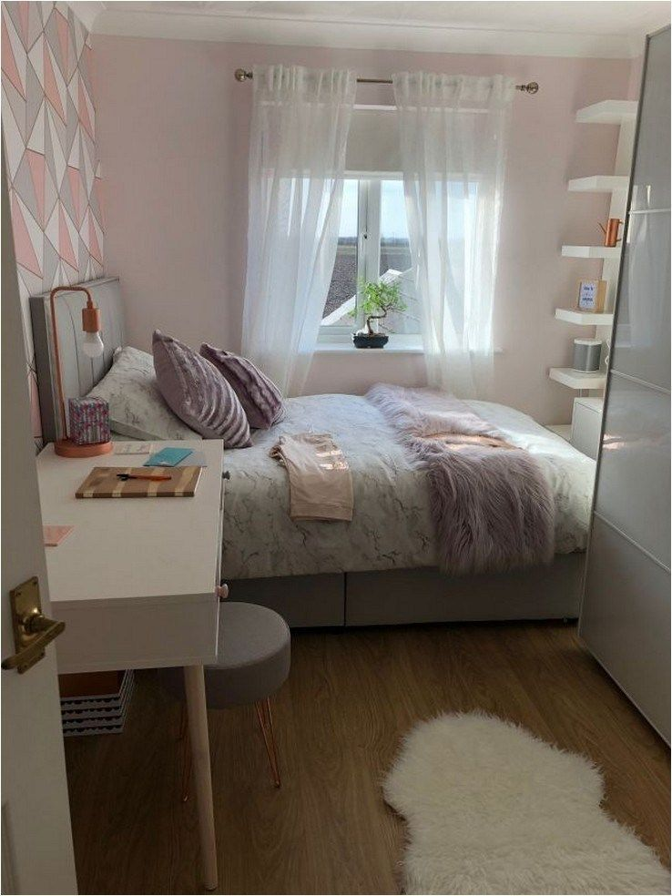Popular Small Bedroom Decor Ideas 10