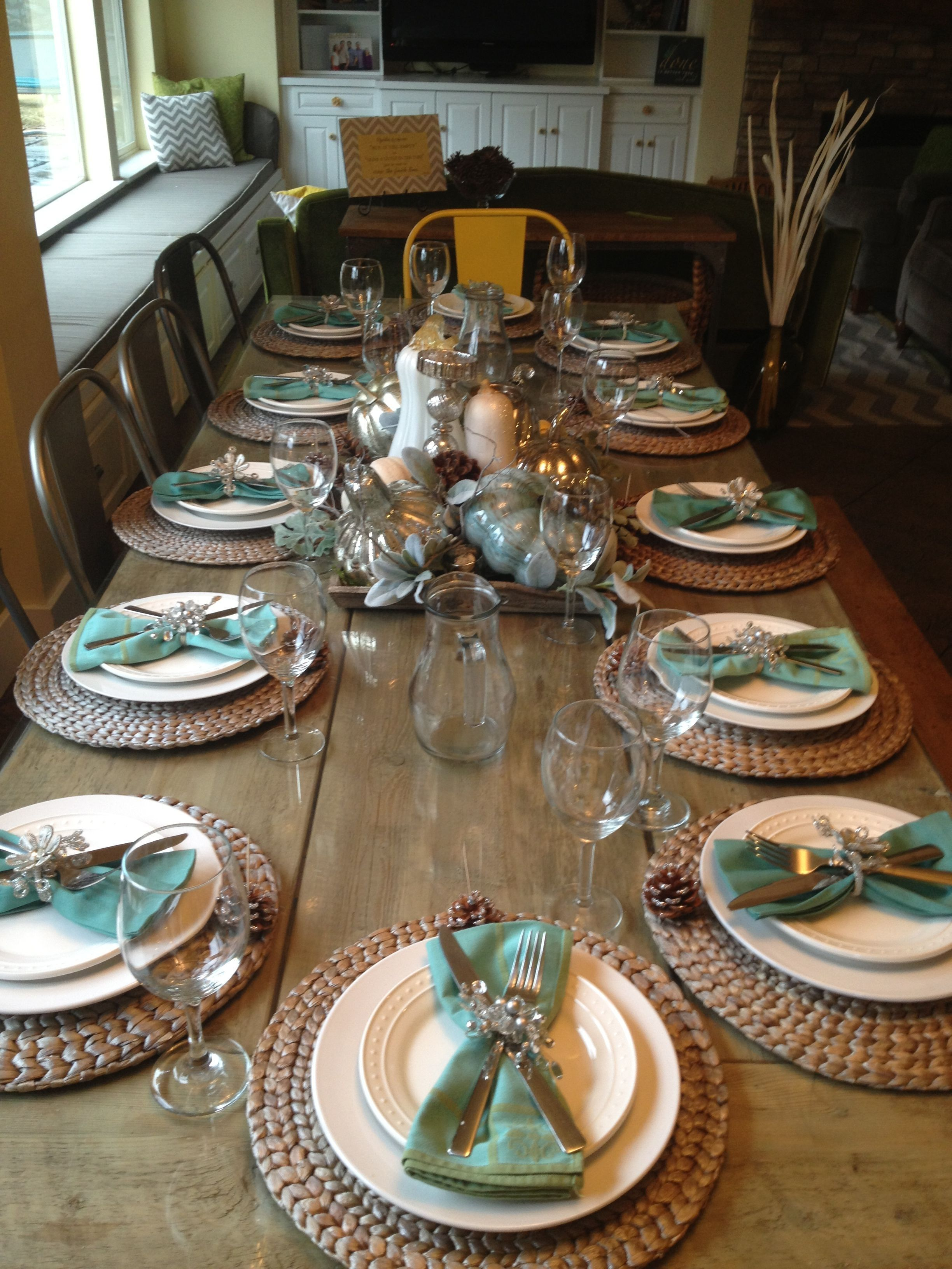 Popular Thanksgiving Table Decorating Ideas Beautiful Look 11