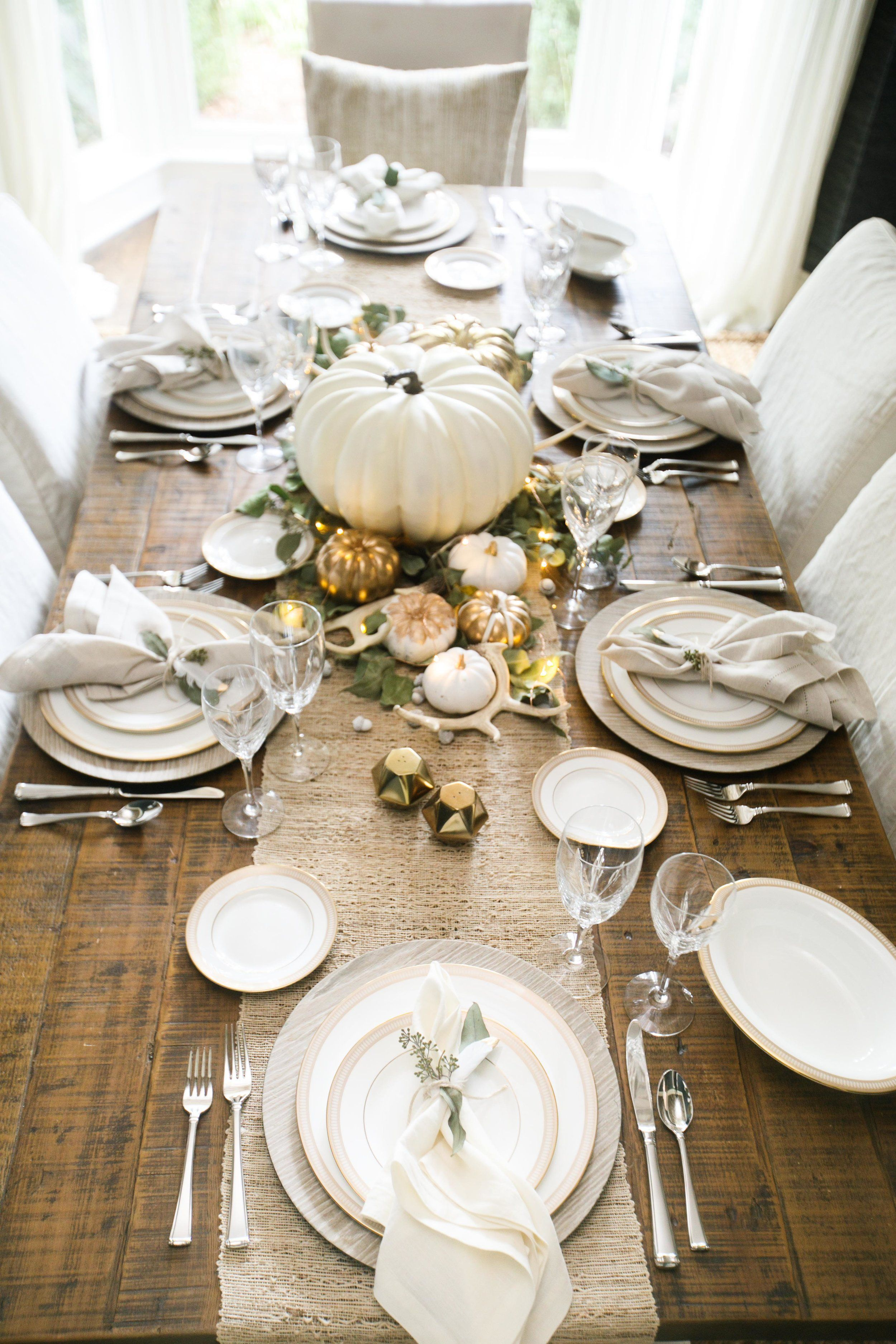 Popular Thanksgiving Table Decorating Ideas Beautiful Look 28