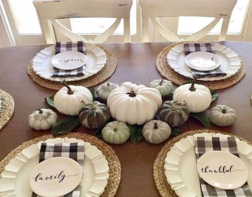 Popular Thanksgiving Table Decorating Ideas Beautiful Look 32