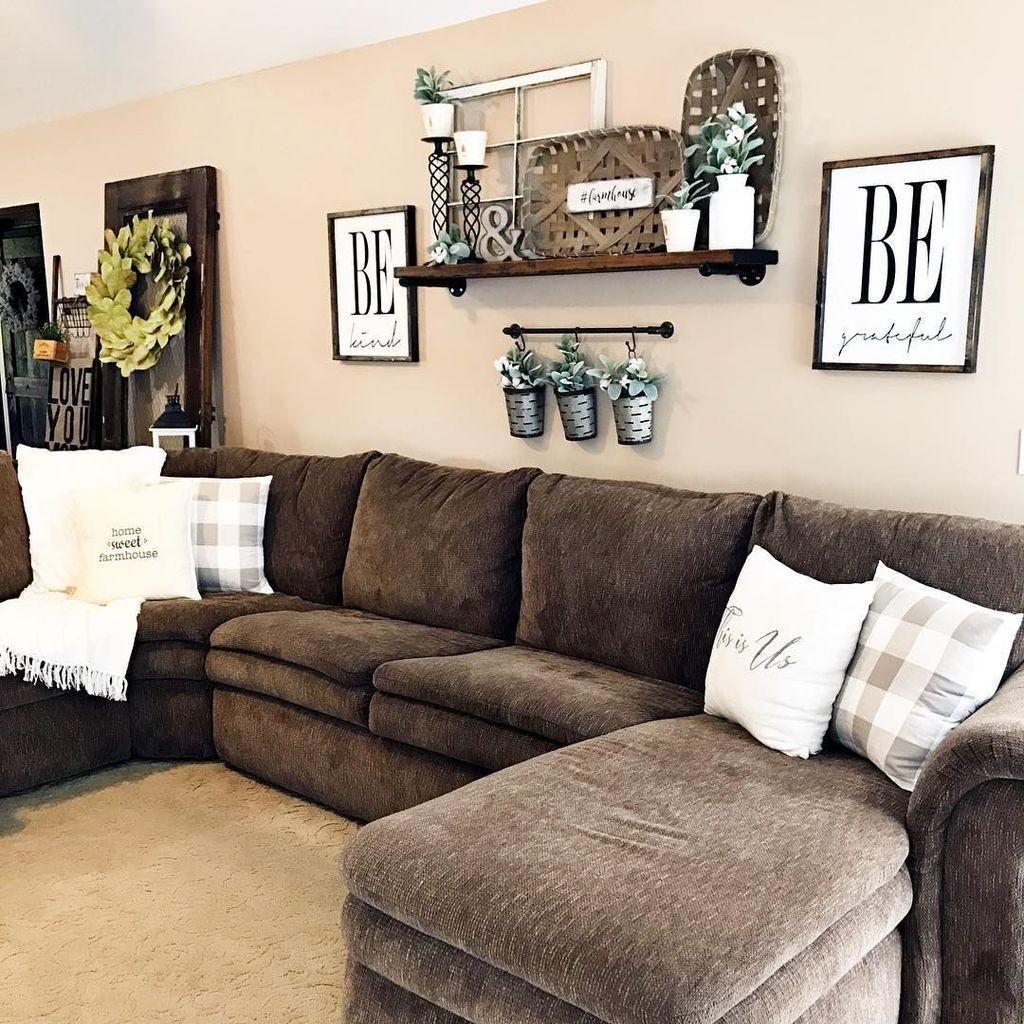 Stunning Living Room Wall Decoration Ideas 36