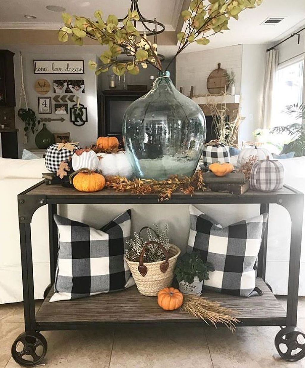 The Best Thanksgiving Living Room Decor Ideas 11