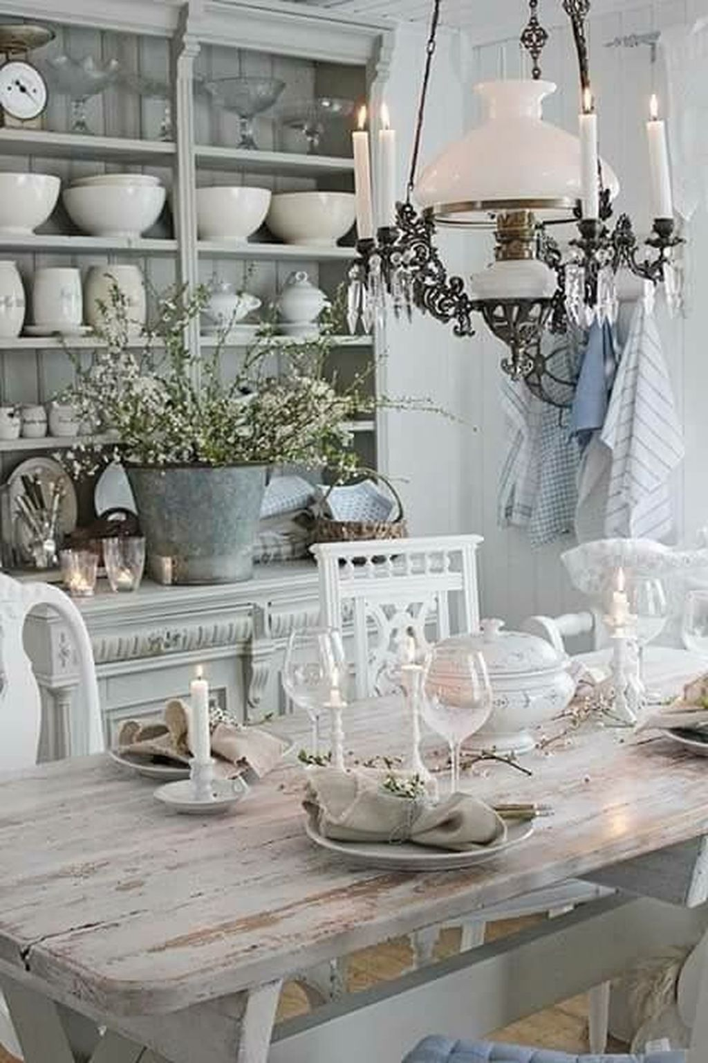 Fabulous French Country Kitchens Design Ideas 18
