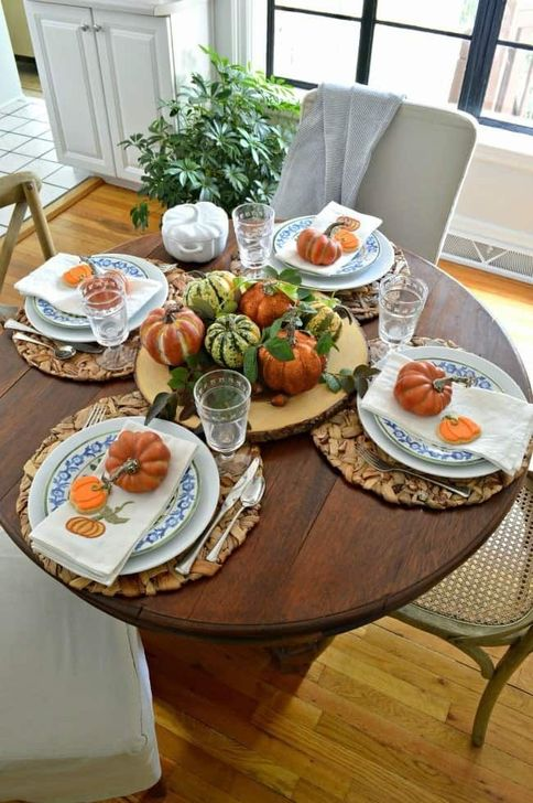 Amazing Fall Dining Table Decor Ideas For Your Dining Room Decor 33
