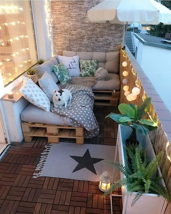 Awesome Apartment Balcony Decorating Ideas 02