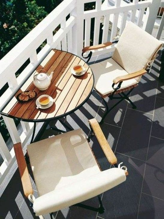 Awesome Apartment Balcony Decorating Ideas 19