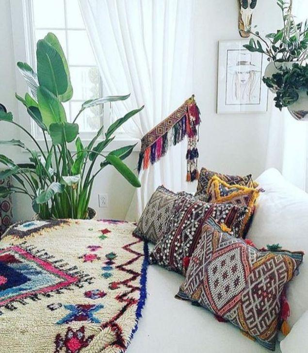 Beautiful Moroccan Bedroom Decor Ideas 02