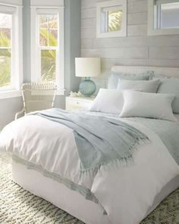 Beautiful White Bedroom Design And Decor Ideas 04