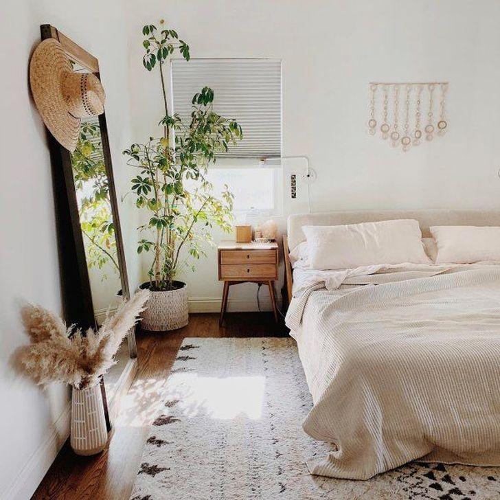 Beautiful White Bedroom Design And Decor Ideas 12