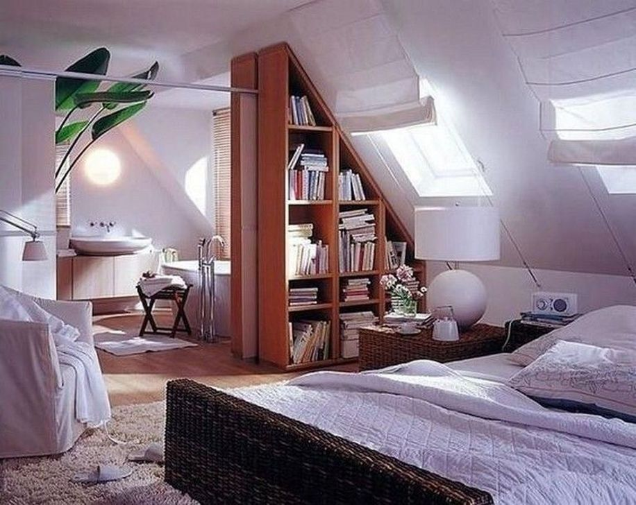 Fabulous Small Attic Bedroom Design Ideas You Will Like 17