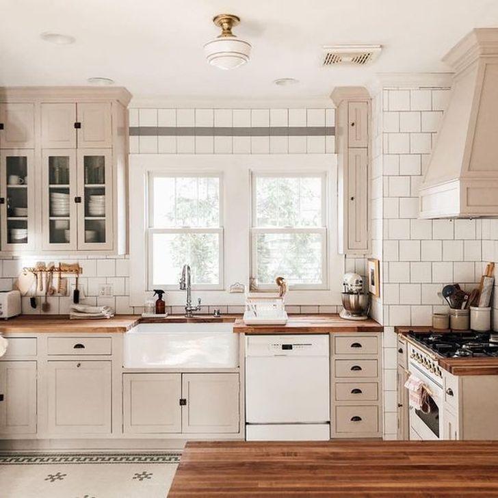 Inspiring Neutral Kitchen Design Ideas 05