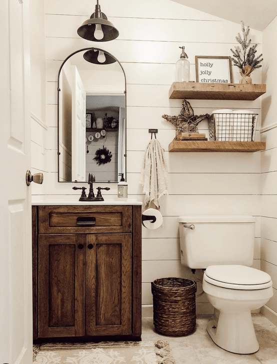 Inspiring Rustic Farmhouse Bathroom Decorating Ideas 17