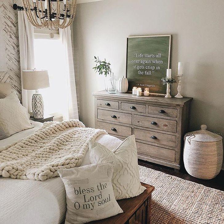 Lovely Fall Bedroom Decor Ideas 16