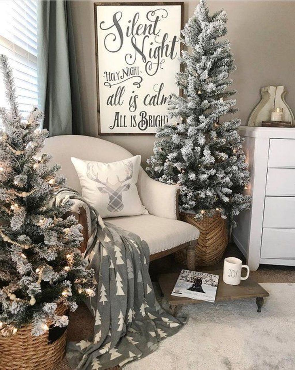 Amazing Farmhouse Style Christmas Bedroom Ideas 11
