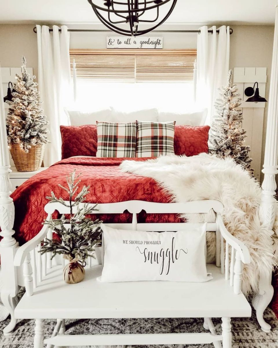 Amazing Farmhouse Style Christmas Bedroom Ideas 15