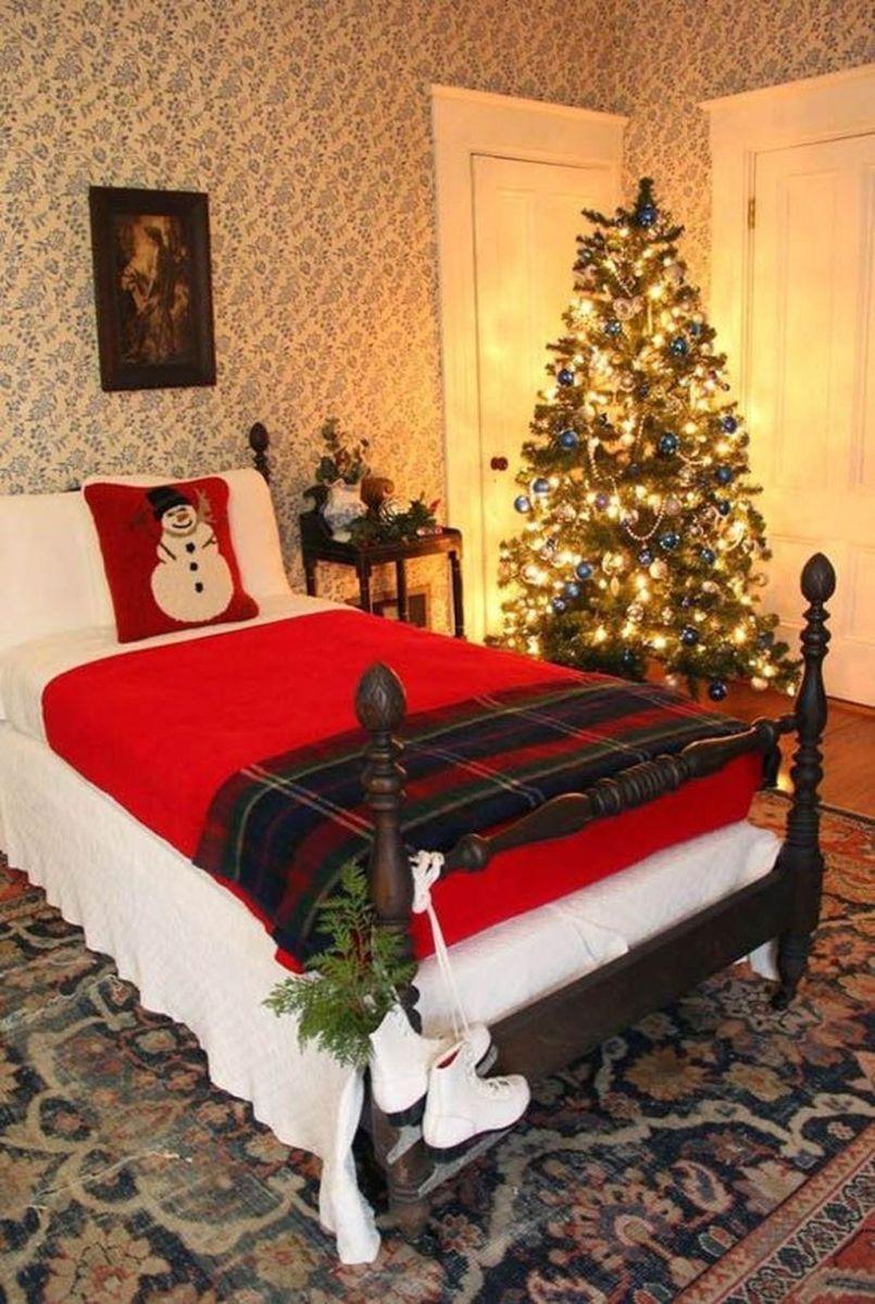 Amazing Farmhouse Style Christmas Bedroom Ideas 25
