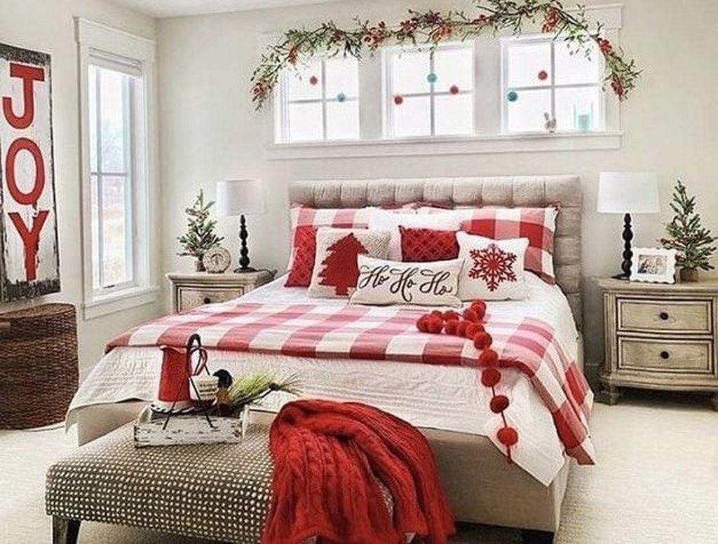 Amazing Farmhouse Style Christmas Bedroom Ideas 26