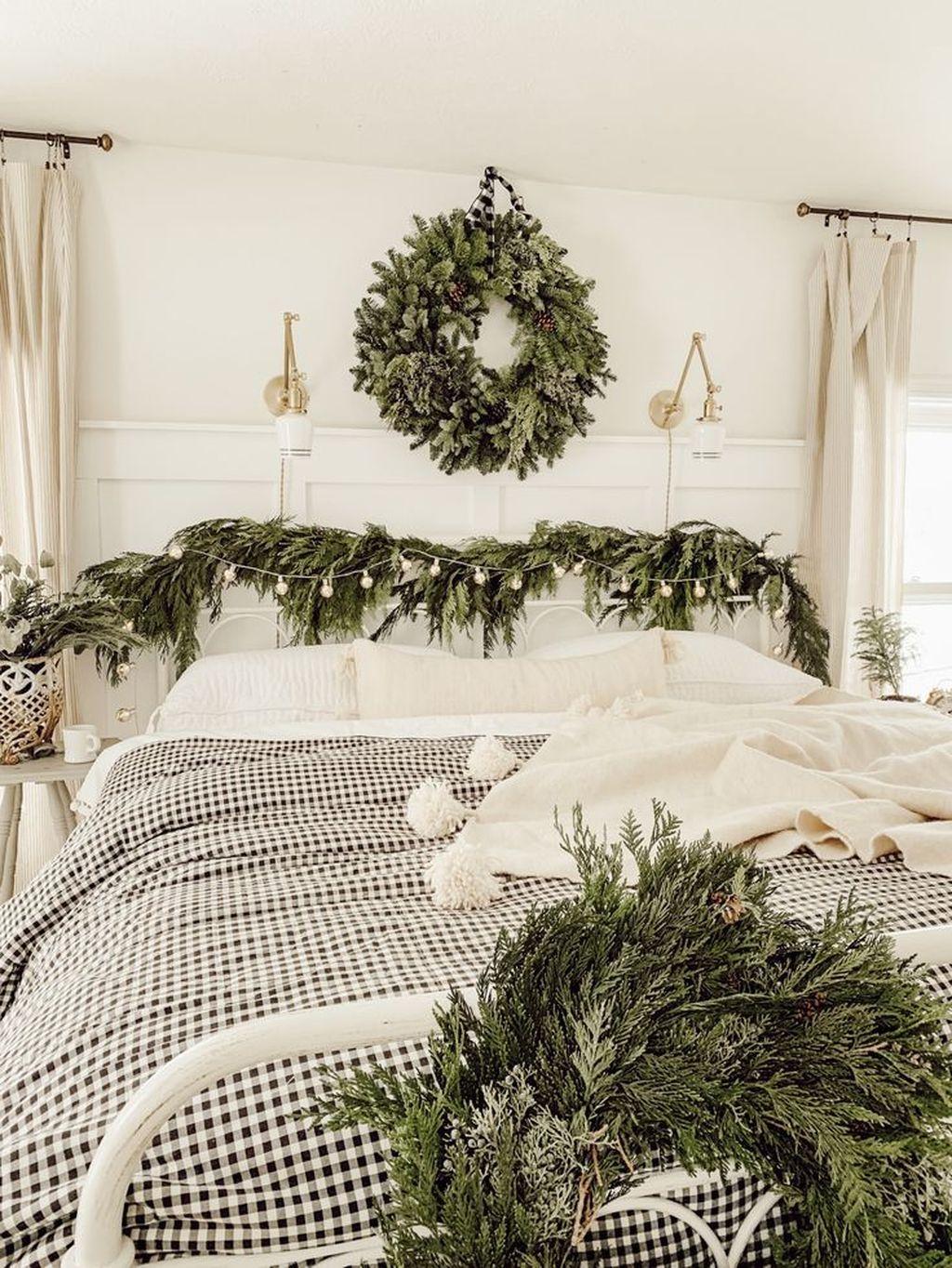Amazing Farmhouse Style Christmas Bedroom Ideas 27