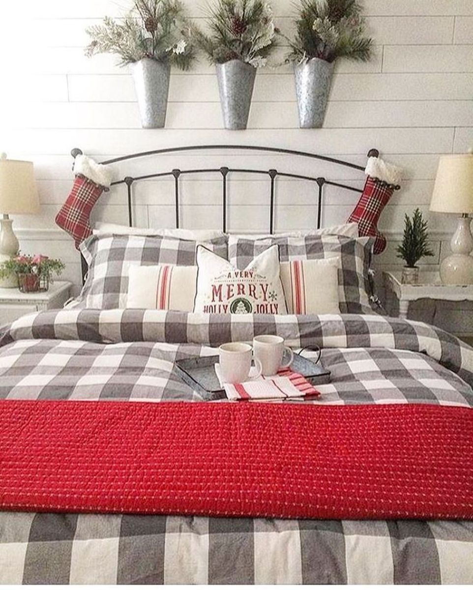 Amazing Farmhouse Style Christmas Bedroom Ideas 30