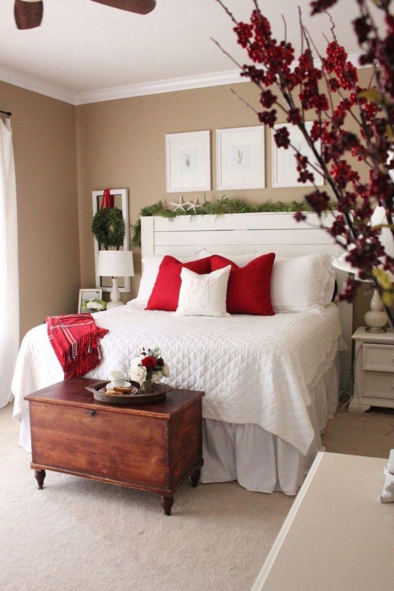 Amazing Farmhouse Style Christmas Bedroom Ideas 38