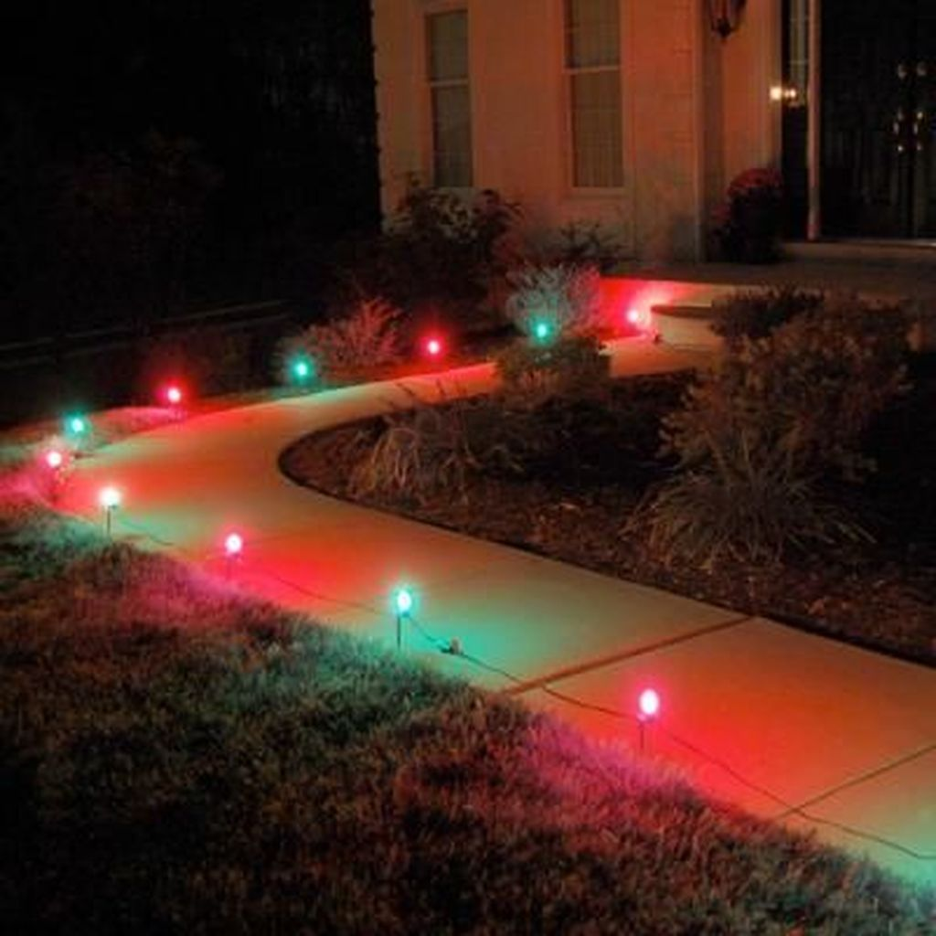 Awesome Christmas Lights Ideas For Exterior Decoration 21