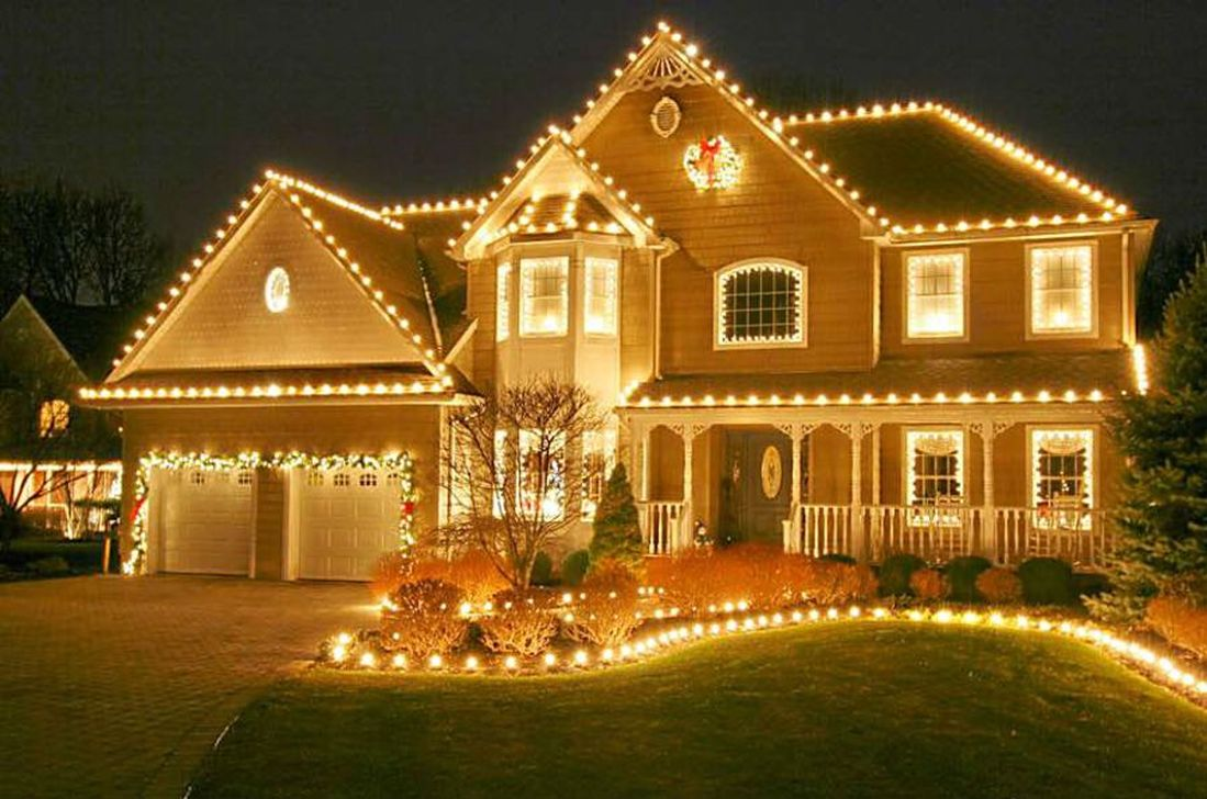 Awesome Christmas Lights Ideas For Exterior Decoration 28