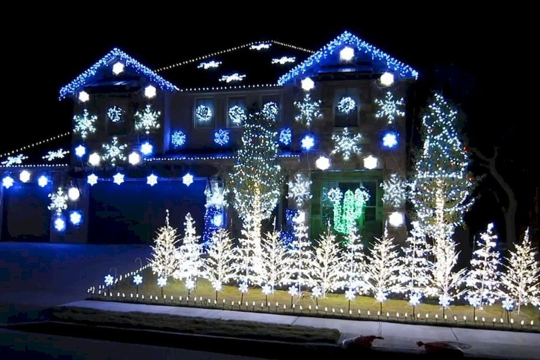 Awesome Christmas Lights Ideas For Exterior Decoration 30