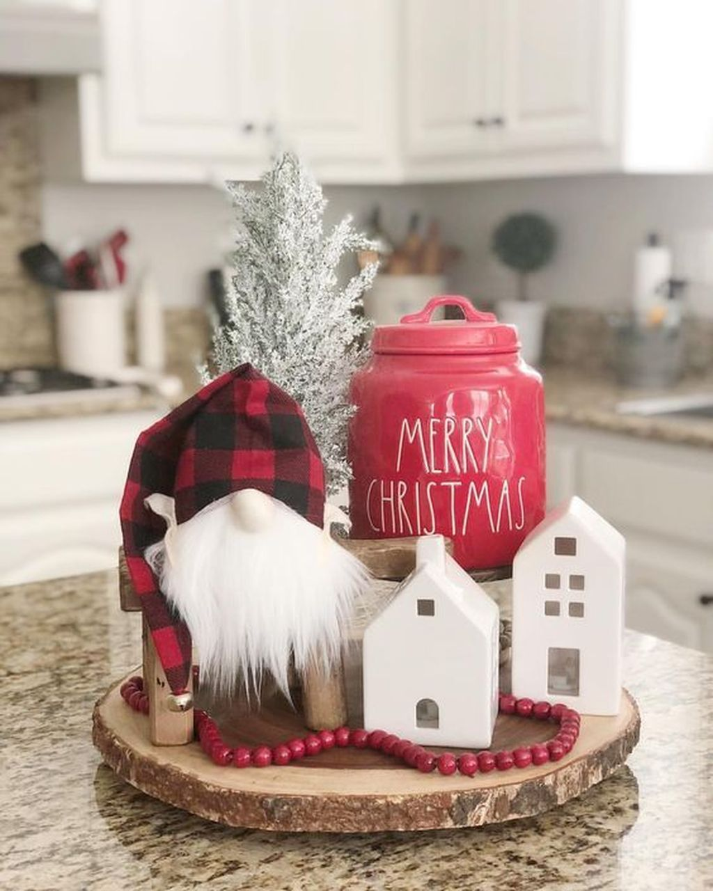Awesome Christmas Theme Kitchen Decor Ideas 14
