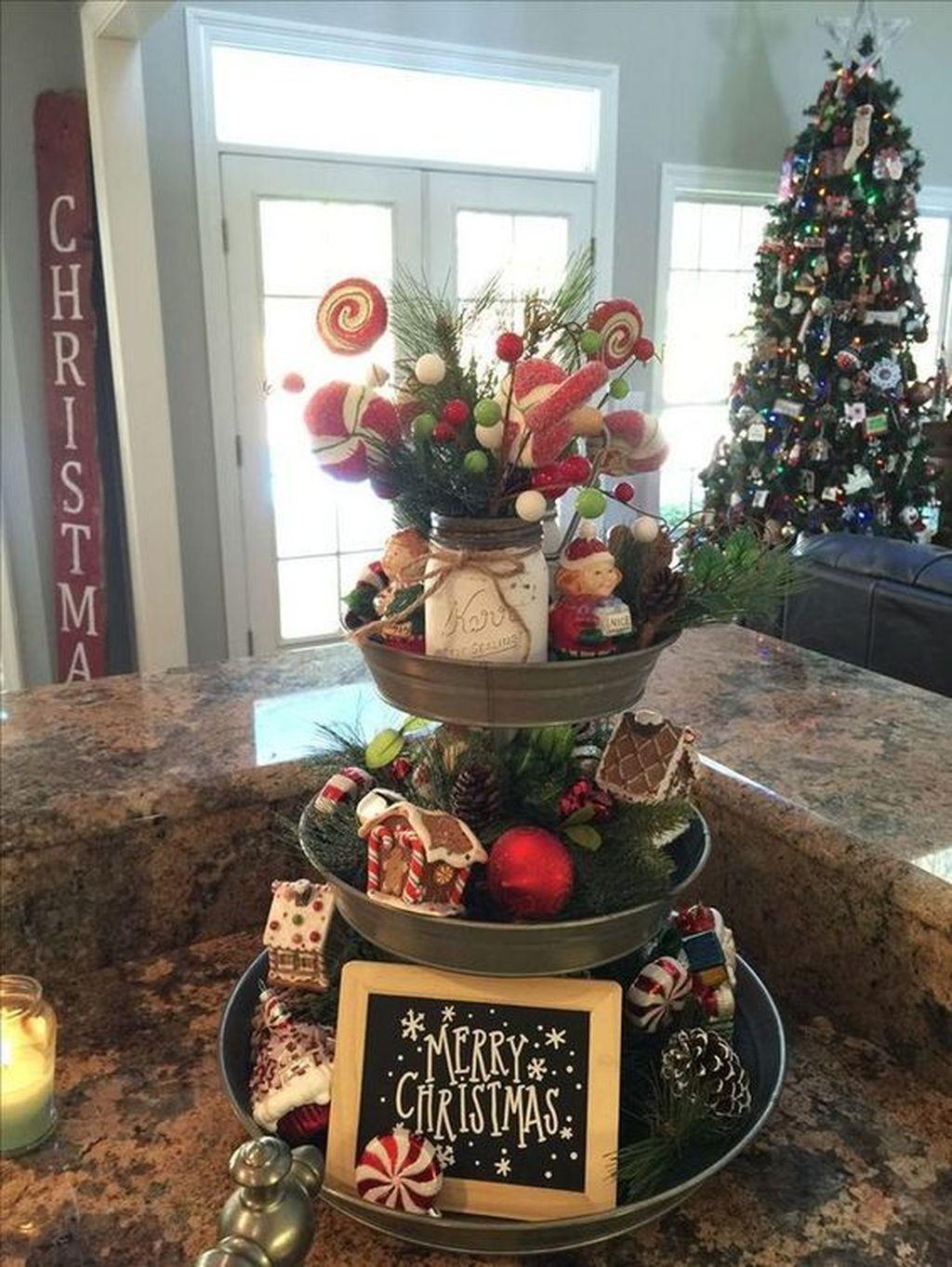 Awesome Christmas Theme Kitchen Decor Ideas 30