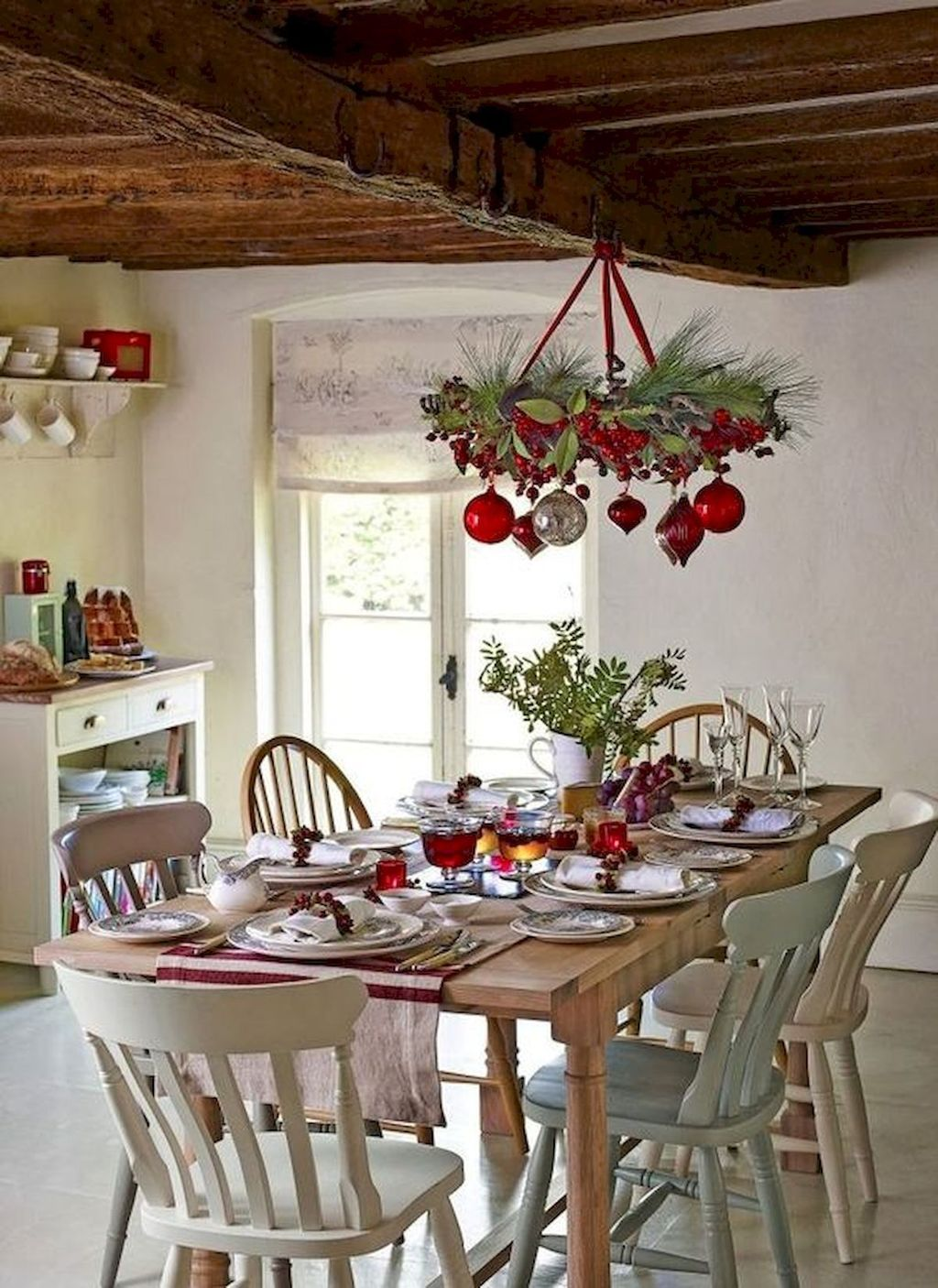 Beautiful Christmas Dining Room Decor Ideas You Never Seen Before 01