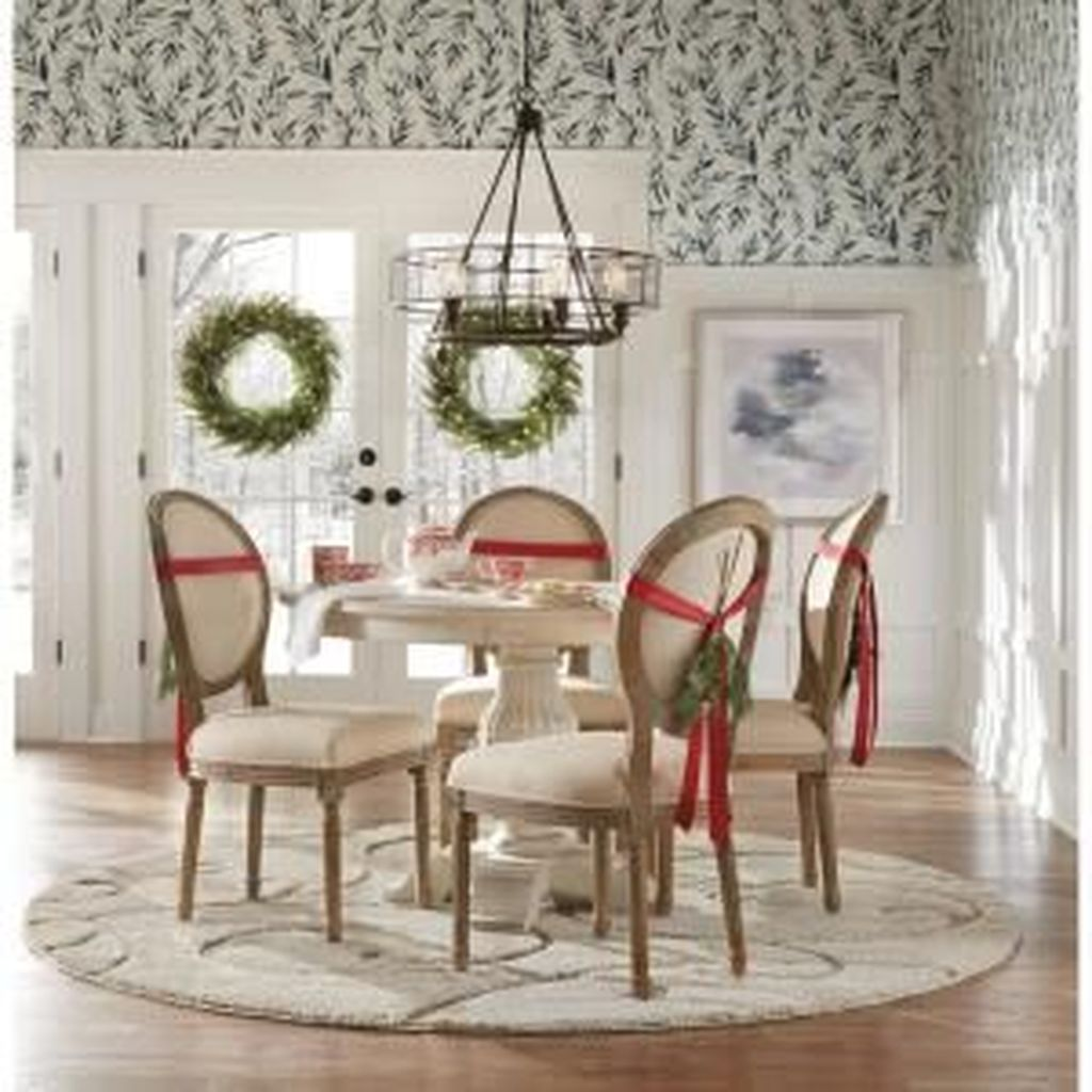 Beautiful Christmas Dining Room Decor Ideas You Never Seen Before 16