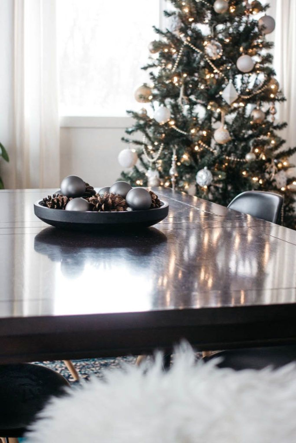 Beautiful Christmas Dining Room Decor Ideas You Never Seen Before 30