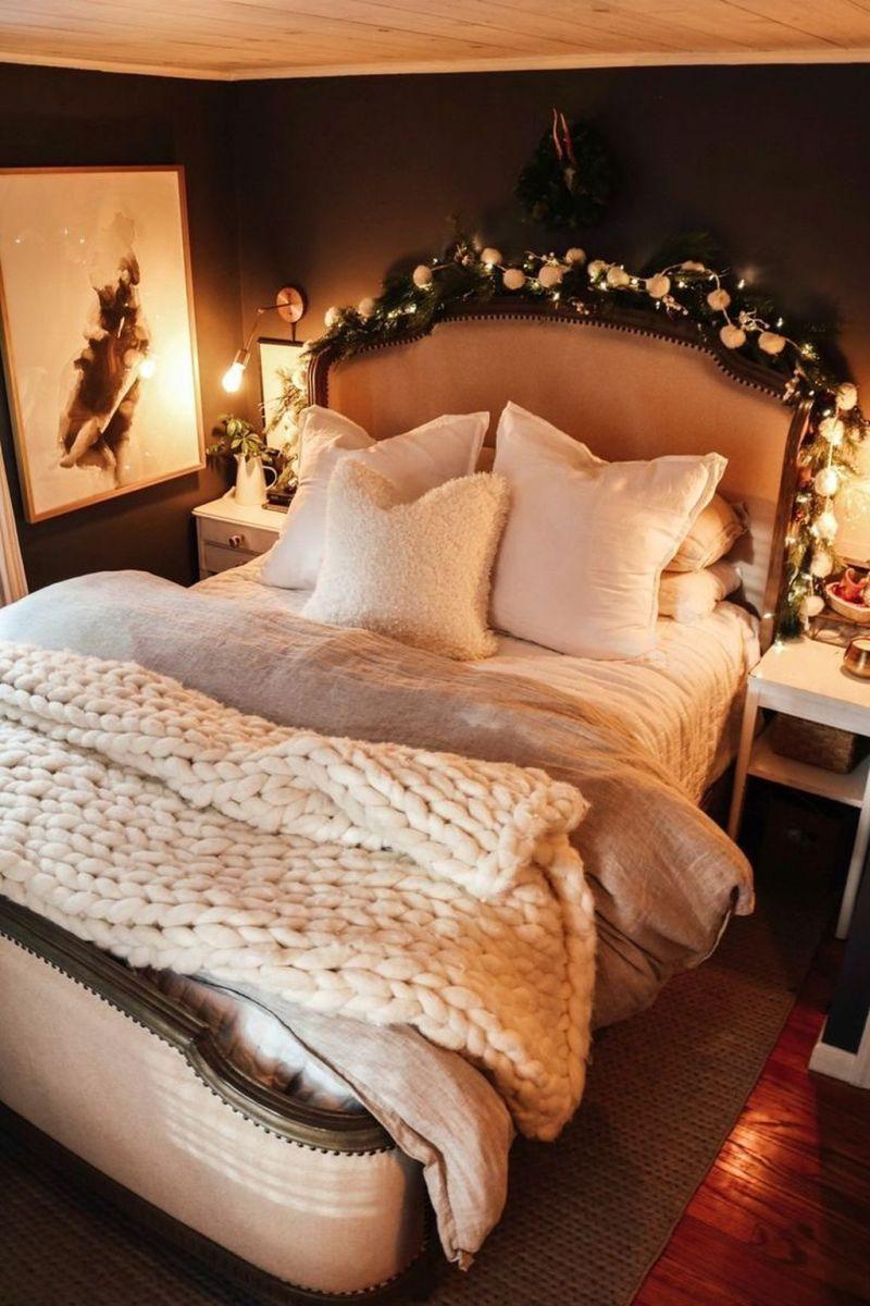 Beautiful Winter Bedroom Decor Ideas 07