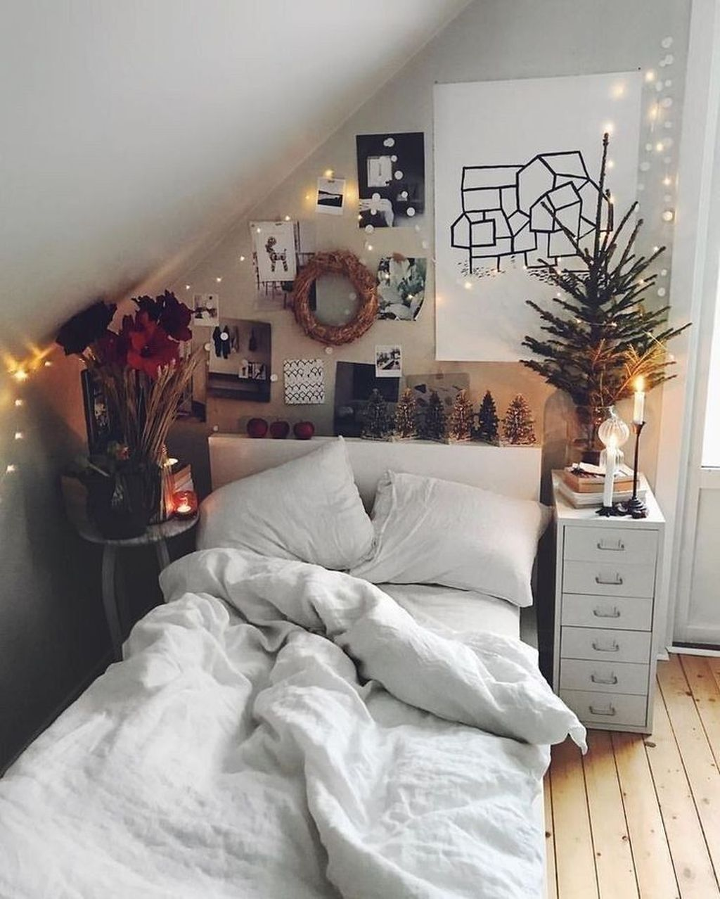 Beautiful Winter Bedroom Decor Ideas 12