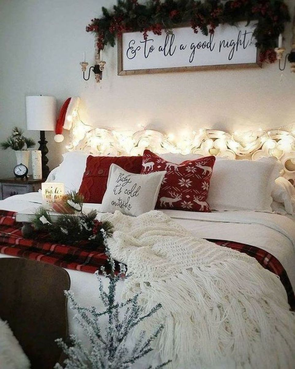 Beautiful Winter Bedroom Decor Ideas 14