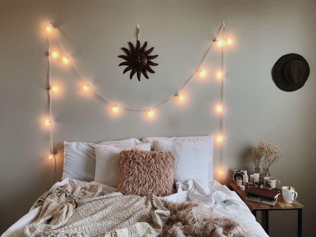 Beautiful Winter Bedroom Decor Ideas 24