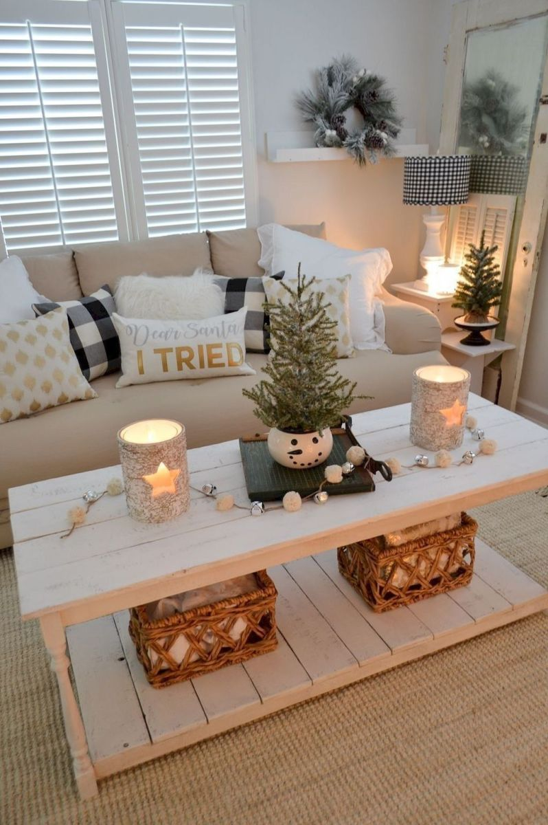 Gorgeous Christmas Living Room Decor Ideas To Look More Beautiful 25