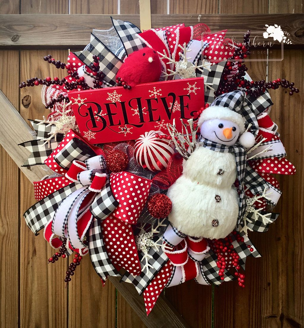 Gorgeous DIY Christmas Wreaths You Should Copy Now 04
